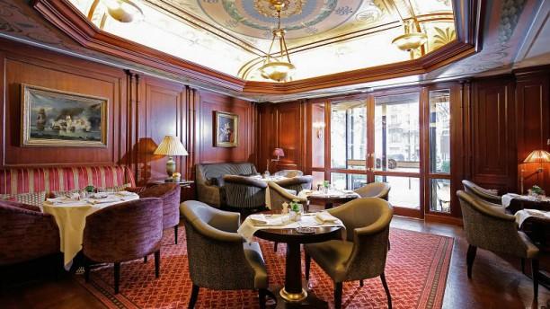 le bivouac h tel napol on in paris restaurant reviews. Black Bedroom Furniture Sets. Home Design Ideas