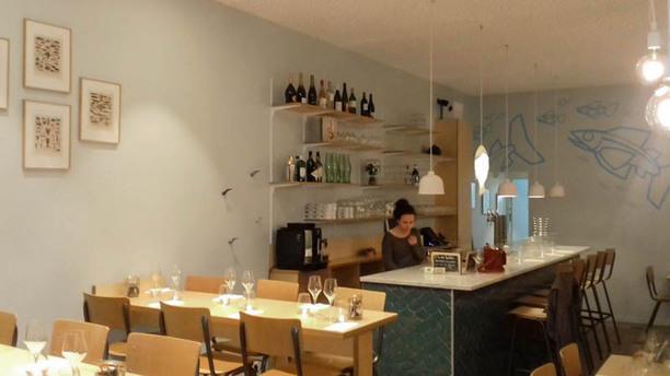 Les Petits Poissons - Sea Food Bar Bar