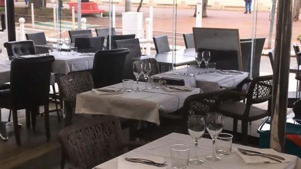 Les Polissons du Confidentiel Salle du restaurant