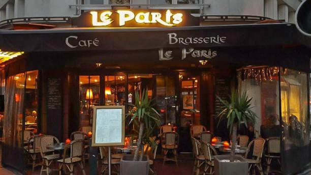 Le Paris Café Terrasse