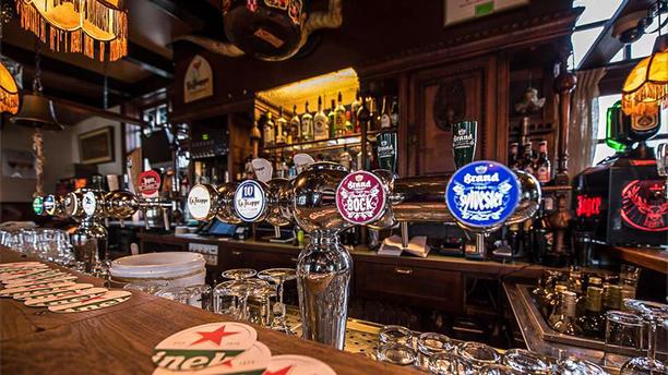 Café Restaurant De Punt Bar