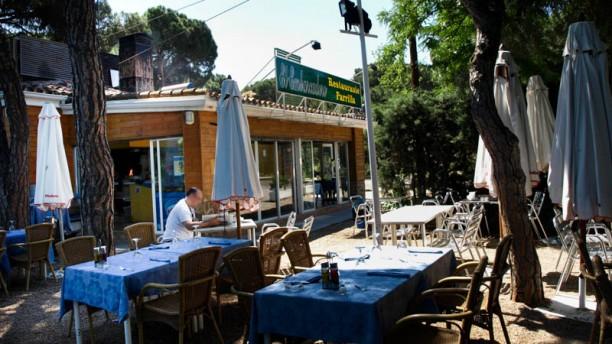 Restaurante la parrilla del embarcadero en madrid casa de for Restaurantes casa de campo