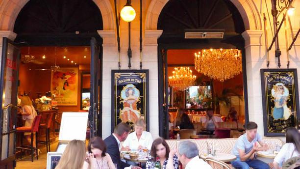 Café Bellini devanture