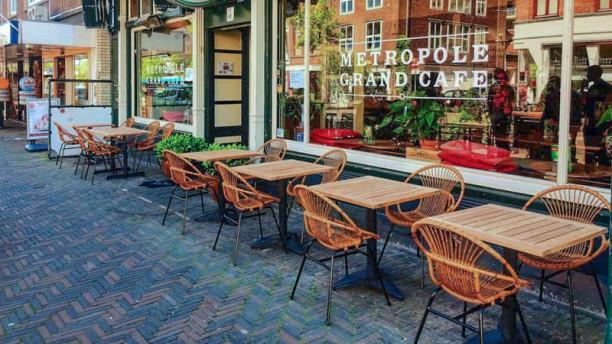 Grand Café Metropole terrass