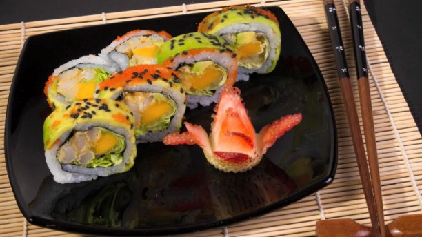 Kukku Sushi y Wok