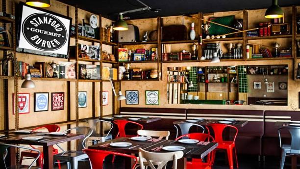 Stanford Gourmet Burger Vista sala