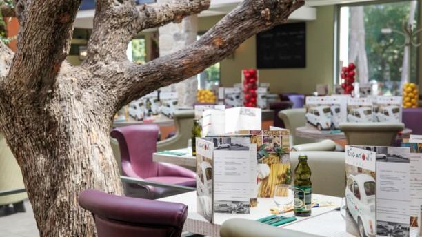 In  Cafe Rosny Menu