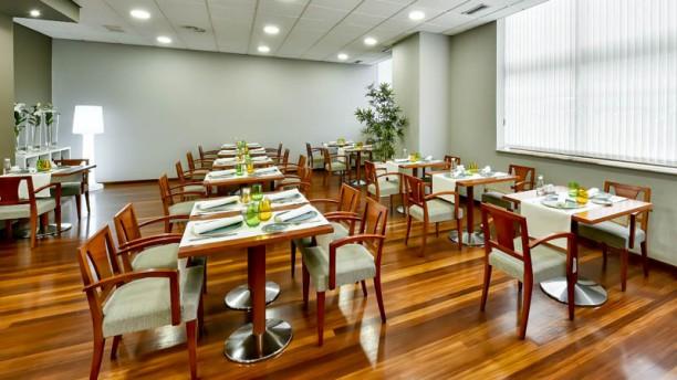Restaurante Hesperia Vigo Vista del interior
