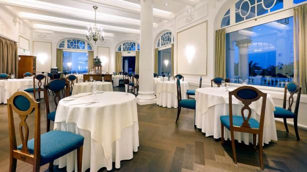 El Puntal - Hotel Real Santander Vista sala