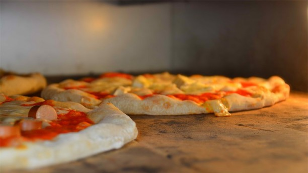 100 pizze social club  2.0 Pizze in forno