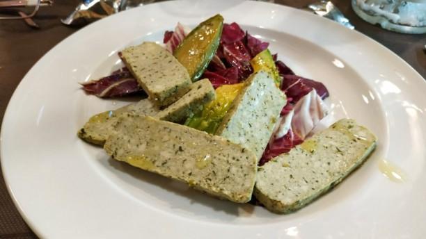 Emporium BISTRO' Tofu con avocado e radicchio rosso