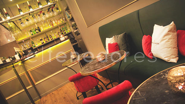 The Ä Bar vista interior