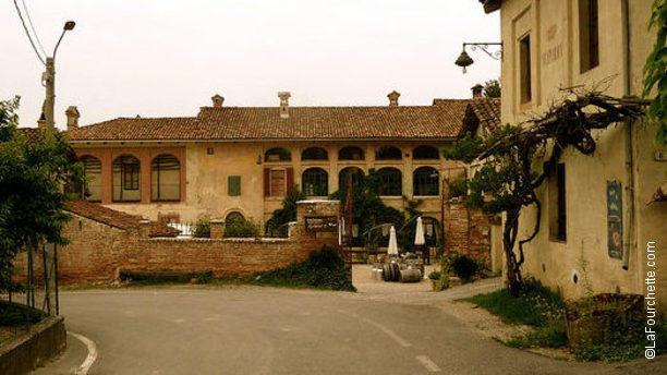 Casa Scaparone Agriturismo in una collina completamente isolata