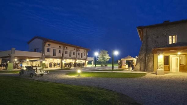 Borgo Machetto vista da fuori