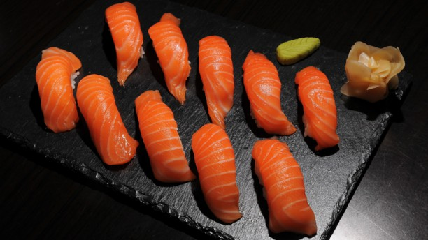 Umi Sushi Sushi Saumon