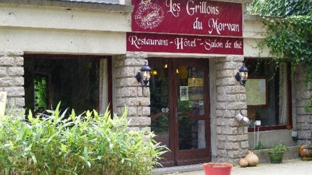 Les Grillons du Morvan L'entrée du restaurant