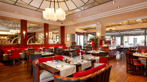 Brasserie Léopold - Hôtel Saint-Christophe Salle de Restaurant