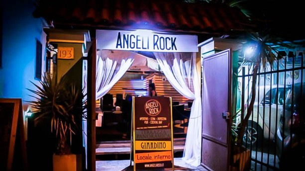 Angeli Rock La entrata