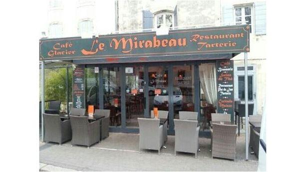 Le mirabeau in saint r my de provence restaurant reviews for Anchoiade maison
