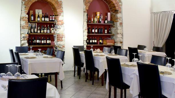 Osteria in Besozzo Sala del ristorante