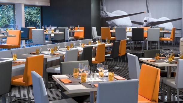 Hilton Paris Orly Airport - Le Café du Marché Salle du restaurant