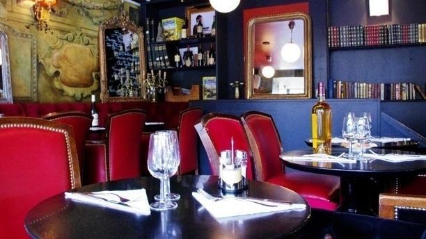 Hôtel Restaurant Le Blason Table dressée