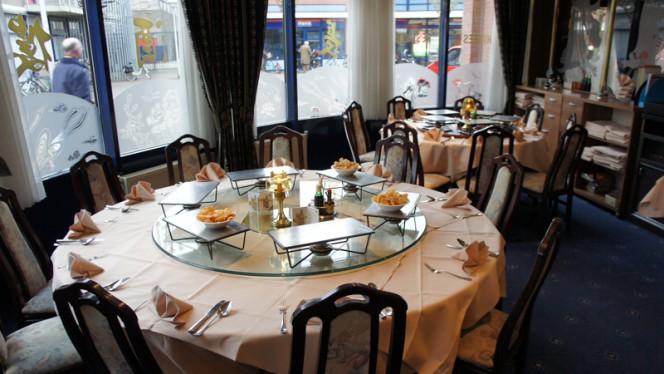 Grote ronde tafels - De Lange Muur - Chinees, Zwolle