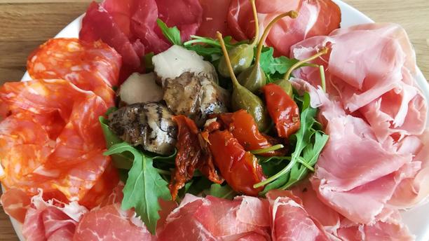 Piadineria 14.07 Assiette Antipasti : assortiment de charucteries italiennes
