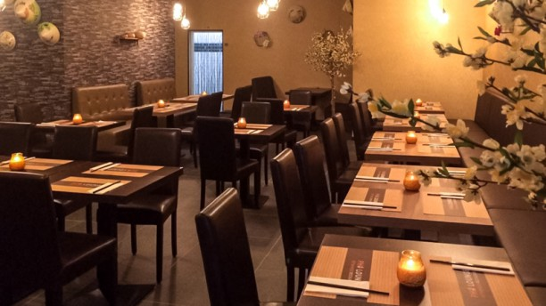 Pho lounge vietnamees restaurant a l 39 aia menu prezzi for T s dining and lounge virden menu
