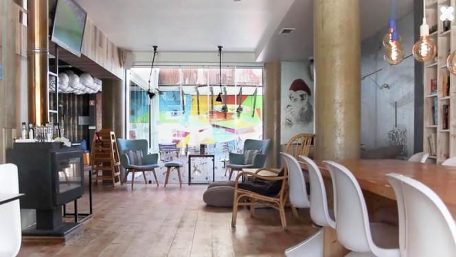 WAX RESTOBAR ristorante continentale a Faro in Portogallo