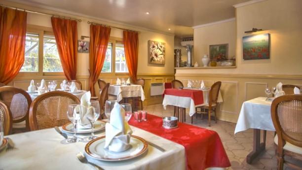 Le Vilgacy Salle du restaurant