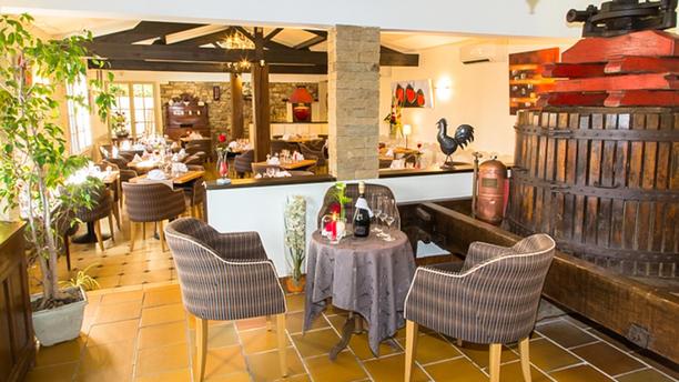 Auberge le Vieux Cellier Accueil de la salle de restaurant