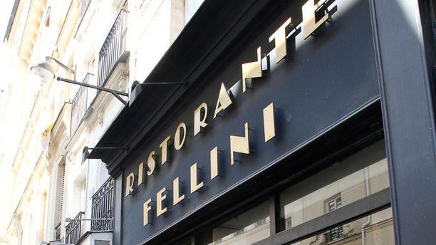 restaurant fellini paris 75001 ch telet les halles beaubourg avis menu et prix. Black Bedroom Furniture Sets. Home Design Ideas