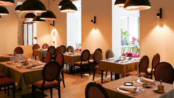 Restaurante roset restaurant bar en palma de mallorca for Restaurante jardin mallorca