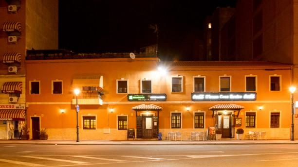 Abrasador Casa Benito fachada restaurante