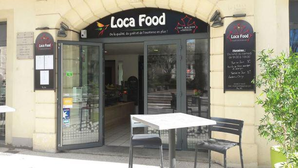 Loca Food Façade