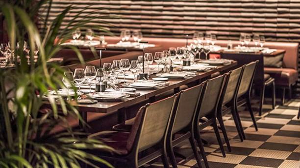 ROXO LES BAINS PARIS Tables dressées
