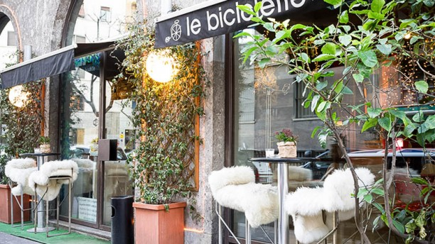 Le Biciclette esterno