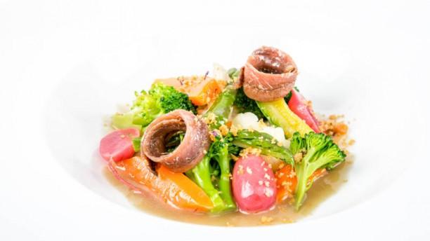 UvaSpina Verdure al vapore, salsa all' Acciuga e Pane croccante