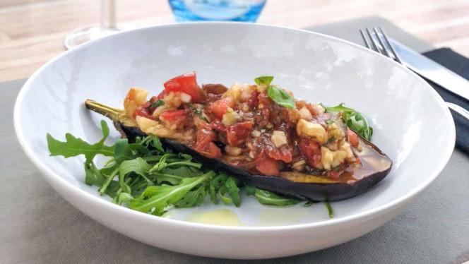 Aubergine confite aux tomates noire de crimée, légumes croquants - La Villa Madrigal, Carry-le-Rouet