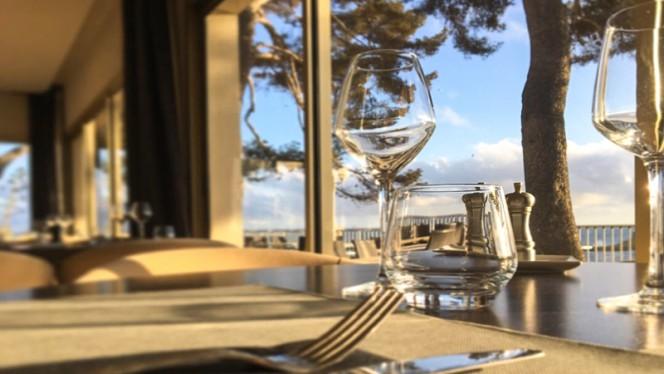 Détail table - La Villa Madrigal, Carry-le-Rouet