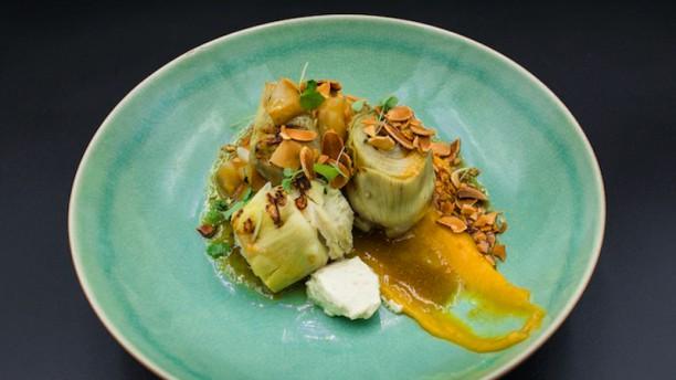 Achterwerk Gegrilde artisjokharten met crème van gepekelde pompoen en sinaasappel, jus van gepofte aardpeer en mierikswortelpanna cotta