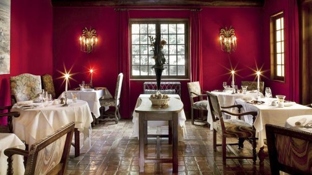 Hôtel - Restaurant Château d'Igé la salle rouge