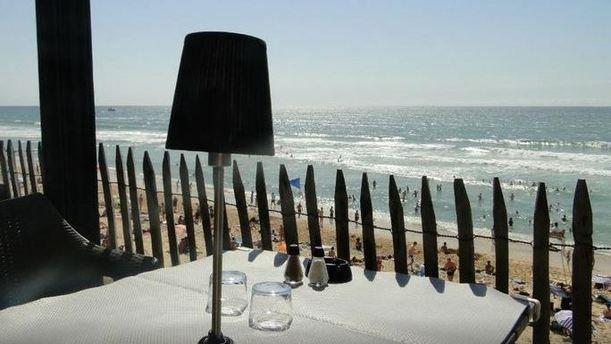 Kayoc mer et table