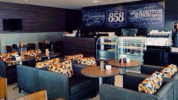 858 Café Bistrô rw sala