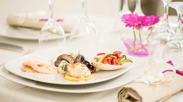 Green Park Hotel / De Vincenzo Banqueting Tavola imbandita con piatto di pesce