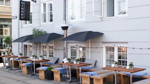 Garden Restaurant & Bar Ingång