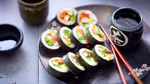 eat sushi restaurant 208 rue jean jaur s 59491. Black Bedroom Furniture Sets. Home Design Ideas