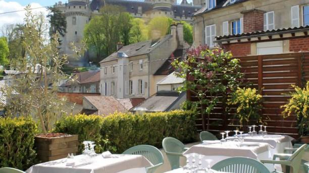 Auberge Aux Blés d'Or terrasse avec vue sur le chateau