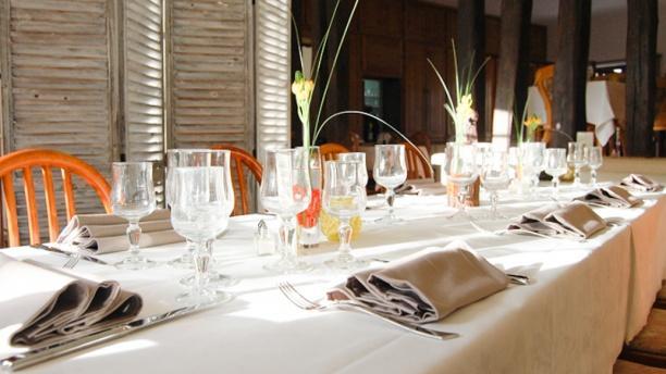 Restaurant auberge aux bl s d 39 or pierrefonds 60350 - Restaurant carte sur table cavaillon ...